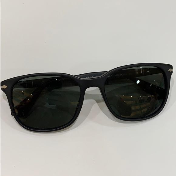 6f7f0b42e1d4a New Persol Black Polarized Sunglasses 3164-S. M 5c4a078ba5d7c66b0adc7b78